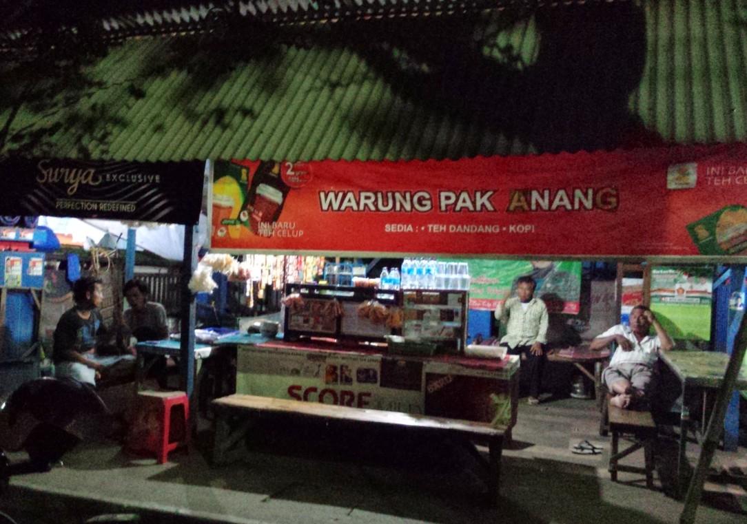 malam di warung